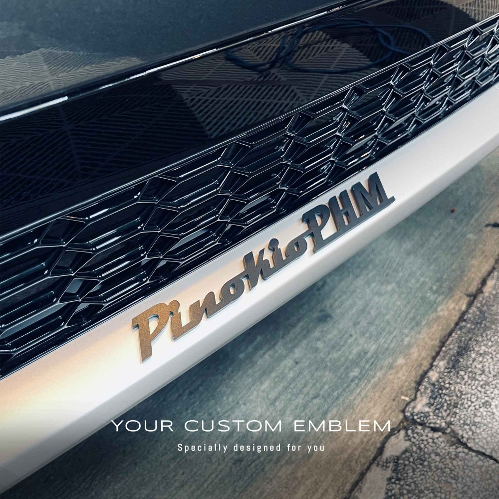 PinokioPHM Emblem painted in matt black installed on the Audi RS6